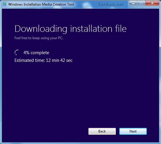 Windows 8.1 kurulum medyası oluşuyor